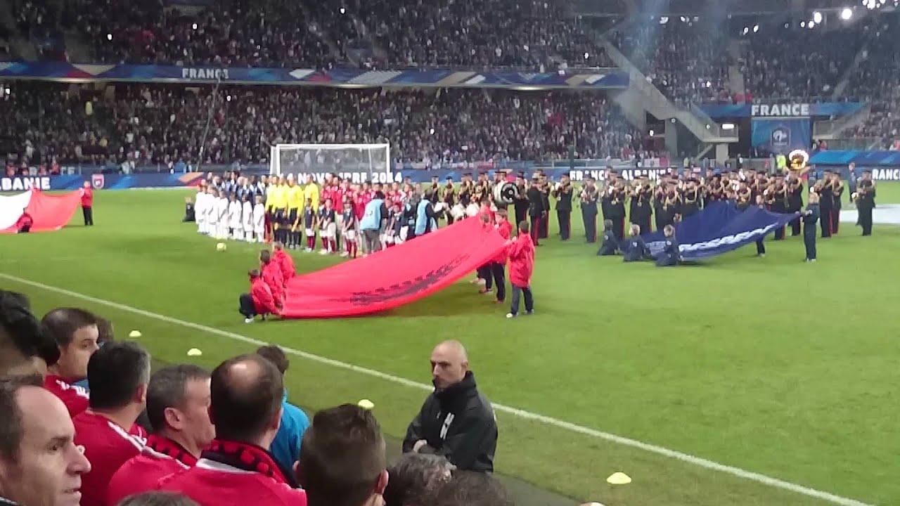Skandal në Paris/ Nuk këndohet himni shqiptar, Francë-Shqipëri nis me incidente