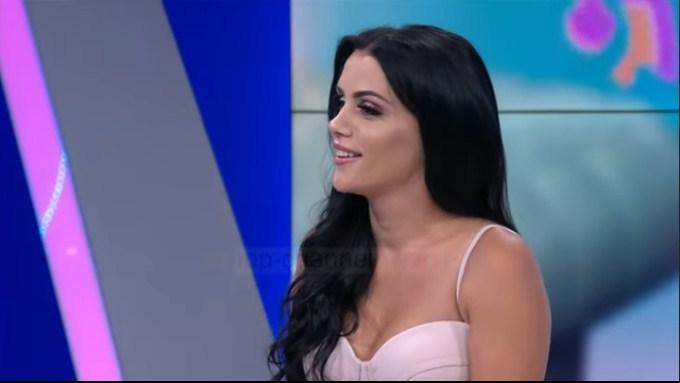 """Vajza e """"ballkonit të rrezikshëm"""": Si u njoha me Kujtim Gjuzin dhe basti me 1 mijë euro (VIDEO)"""