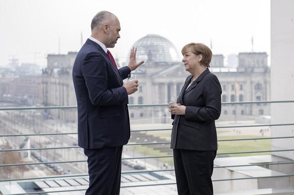 Në  darën  e Angela Merkel  kryesimi gjerman i BE  Si do të jetë fati i negociatave me Shqipërinë