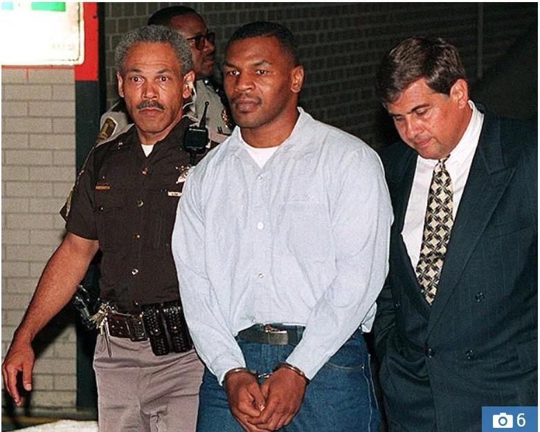Gabimi i së shkuarës/ Mike Tyson rikthehet në qeli për të takuar miqtë e dënuar me burg përjetë