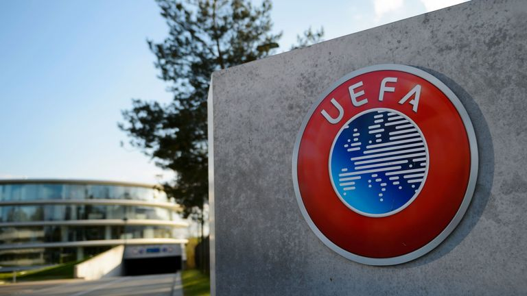 Futbolli evropian, UEFA shtyn afatin për planin për rifillimin