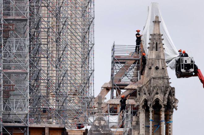 U pezullua nga koronavirusi, rinis restaurimi i Notre Dame