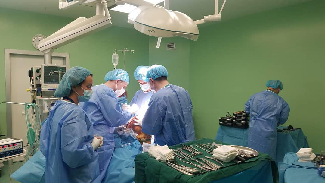 Kërkoni mjekët më të mirë në Ortopedi? Ndërhyrjet më të vështira dhe gjithmonë me sukses vetëm në…