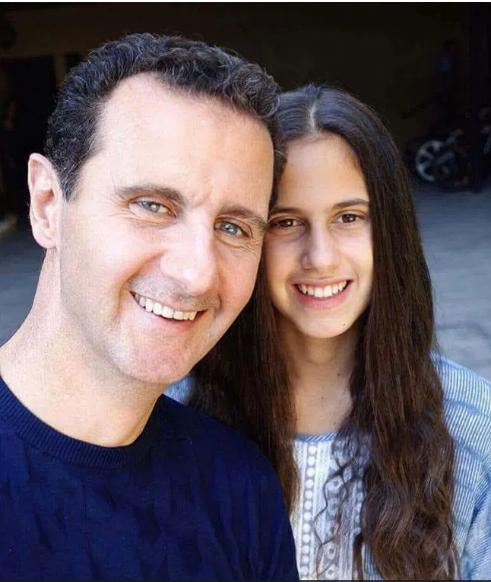 I shprehu dashurinë vajzës së Assadit, ushtarit sirian i ndodh e papritura (Video)