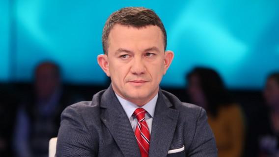 Gazetari i njohur shqiptar rezulton pozitiv me koronavirus