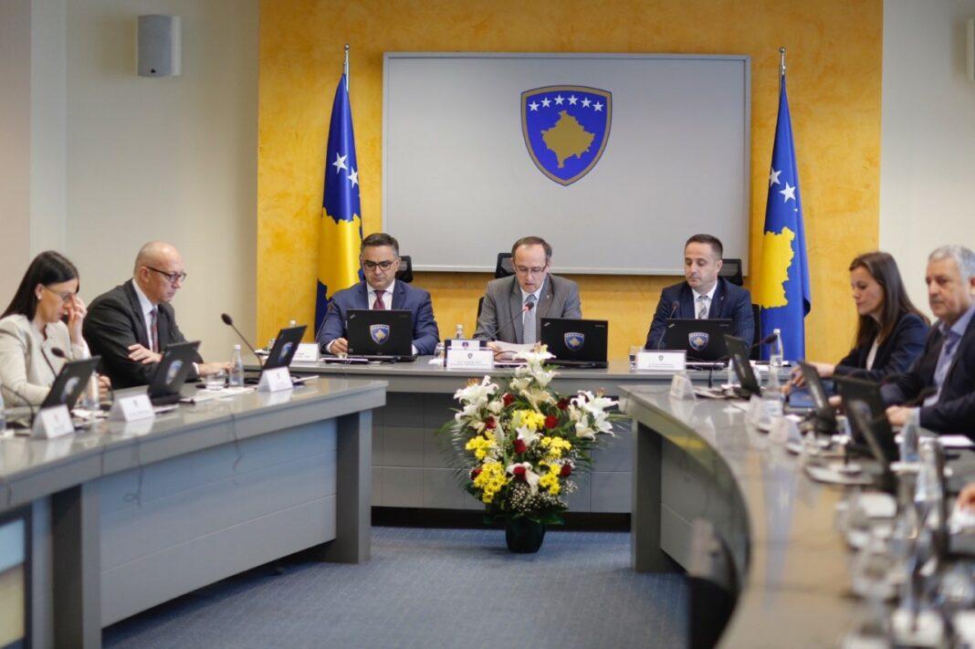 Shpërthimi i koronavirusit, qeveria e Kosovës merr vendimin ekstrem: Çdo qytetar duhet të…